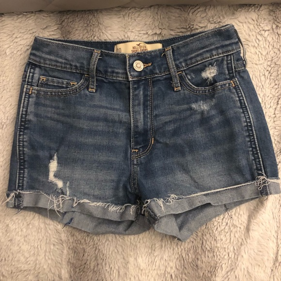 Hollister Pants - Hollister short shorts high rise medium wash
